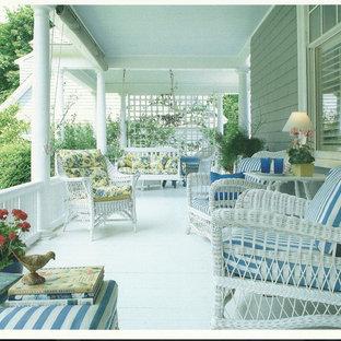 Immagine di un patio o portico chic