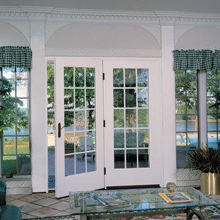 Esempio di un patio o portico vittoriano di medie dimensioni