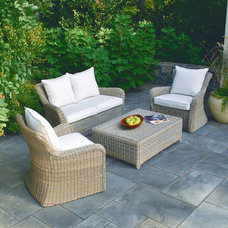 Traditional Patio by Kingsley-Bate