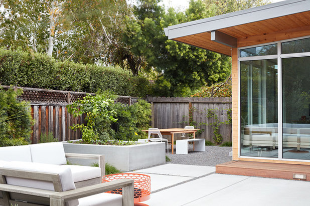 Midcentury Patio by Klopf Architecture