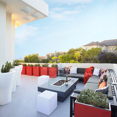 Modern Patio by Dupuis Design