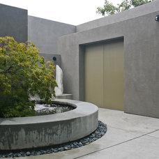 Contemporary Patio by Kikuchi + Kankel Design Group