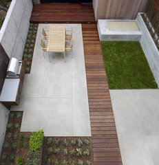 modern patio by Christopher Yates Landscape Architecture