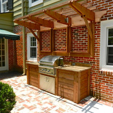 Traditional Patio by Lendry Homes