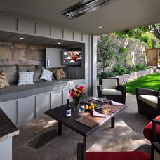 Modern Patio by Kent Mixon Architect