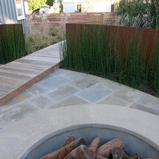 Beach Style Patio by Christopher Yates Landscape Architecture