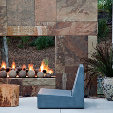 Contemporary Patio by WA design