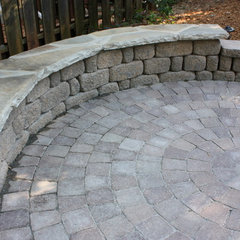 traditional patio by Shady Grove Landscape Company