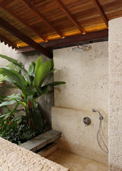 Tropical Patio by Iwan Sastrawiguna Interior Design