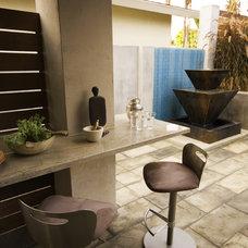 Modern Patio by Hamilton-Gray Design, Inc.
