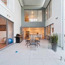 Contemporary Patio by Undercover Architect