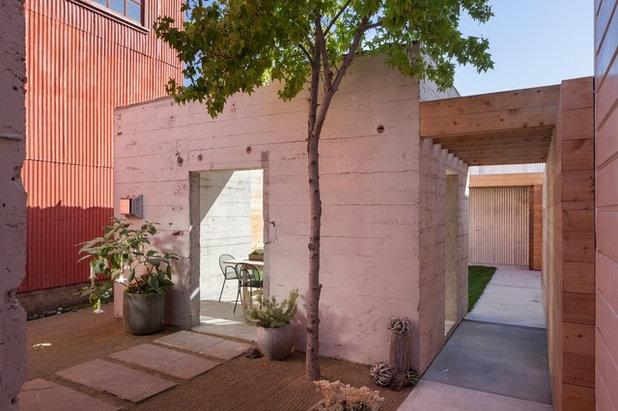 Contemporary Patio by Matarozzi Pelsinger Builders