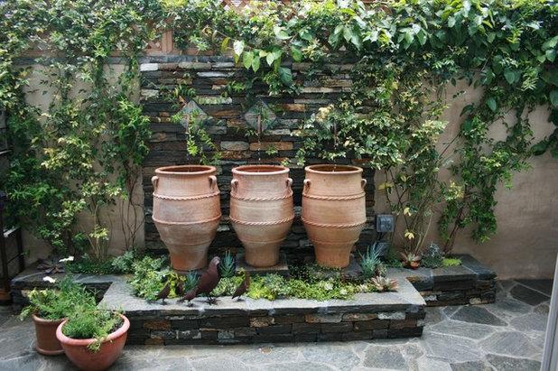 Tendance outdoor 14 fa ons de mettre en sc ne des pots de fleurs xxl - Comment disposer des pots sur une terrasse ...