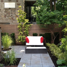 Contemporary Patio by TOPIA solutions jardins