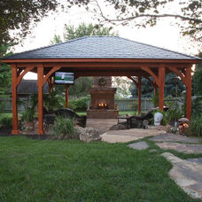 Traditional Patio by C.E. Pontz Sons
