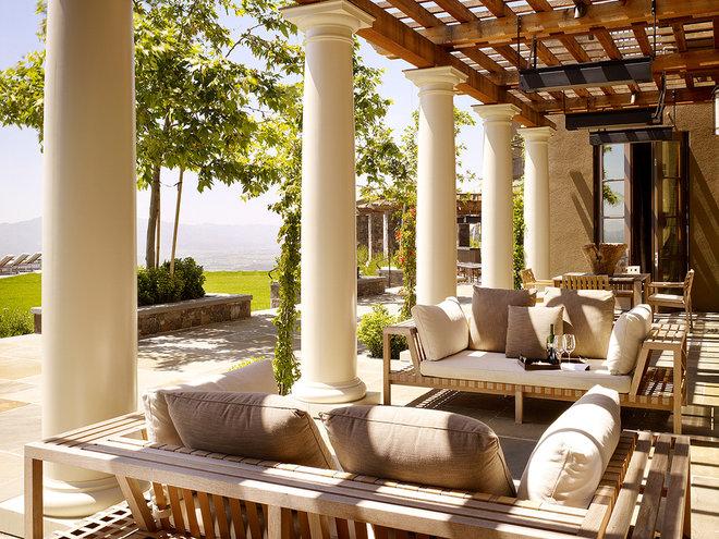 Mediterranean Patio by BAR Architects