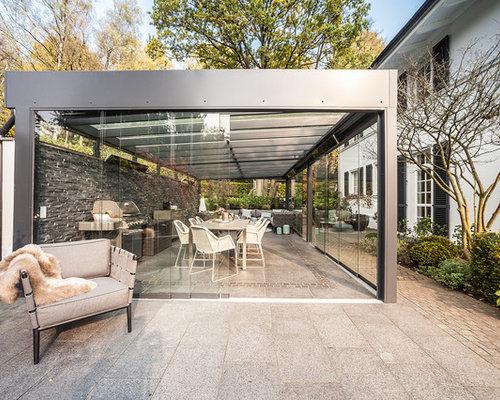 innenhof spanischer hauser groaer moderner patio hinter dem haus mit outdoor ka 1 4 che betonplatten und gazebo in hamburg ratsel