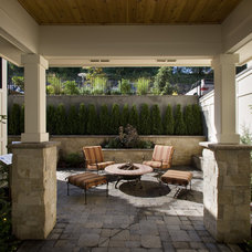 Traditional Patio by Ronda Divers Interiors, Inc.