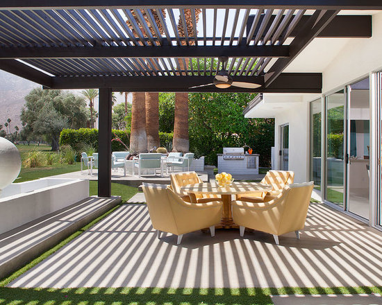 Charming Modern Patio Cover