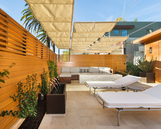 Cute Modern Patio by Kurt Krueger Architects