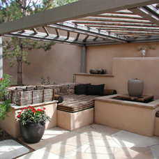 Southwestern Patio by Clemens & Associates Inc.