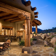Southwestern Patio by Urban Design Associates
