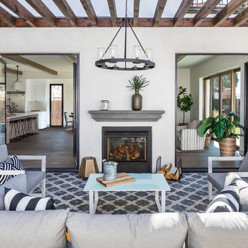 Spanish Moroccan Influences in Patio Entertaining Space