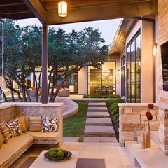 contemporary patio by Shoberg Custom Homes