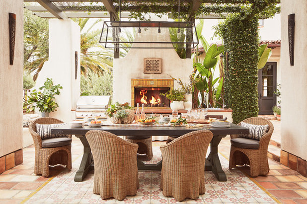Mediterranean Patio by Interior Archaeology