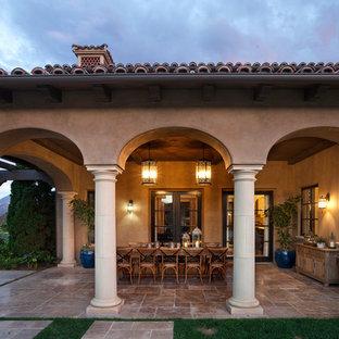 Ispirazione per un patio o portico mediterraneo