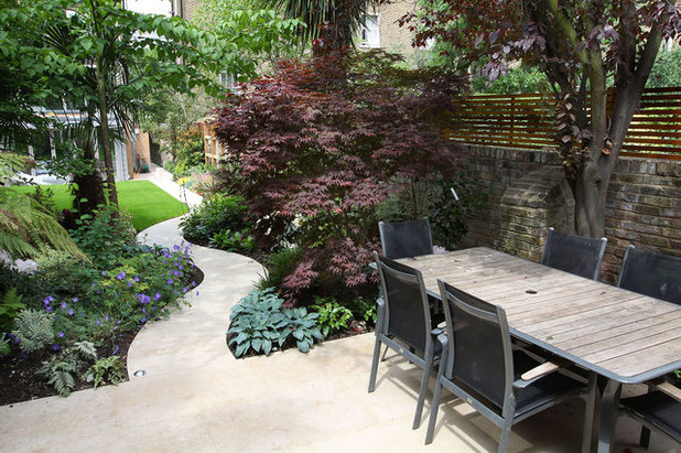 Contemporary Patio by The Garden Builders