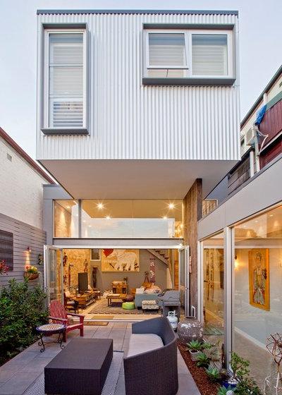 Contemporary Patio by Bennett Murada Architects
