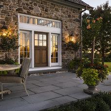 Farmhouse Patio by Crisp Architects