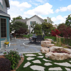 contemporary patio by Breckenridge Design, Construction & Maintenance
