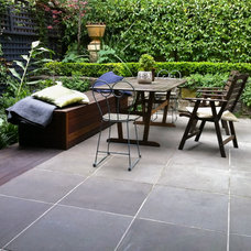 Traditional Patio by Froglet Moss