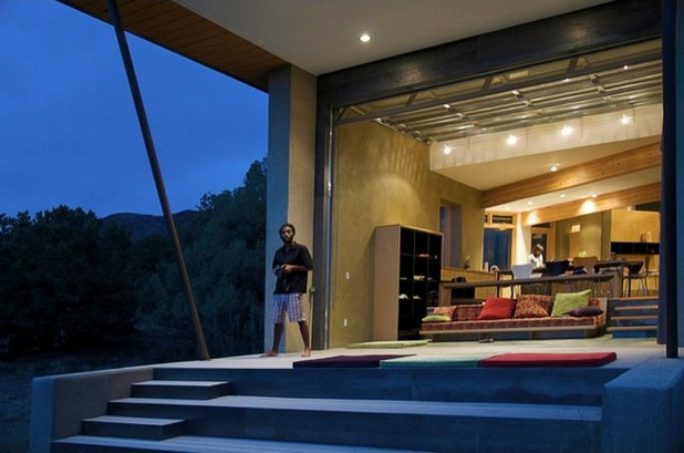Contemporary Patio by Gettliffe Architecture