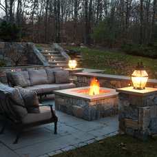 Traditional Patio by Pinney Designs