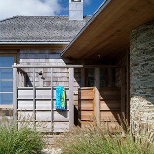 Esempio di un patio o portico design