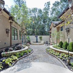 modern patio by Sullivan, Henry, Oggero and Associates, Inc.