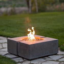 Summer 2012 - The Ravello Jr Square Fire Pit, available in Propane or Natural Gas. We ship anywhere in North America, call us about your Project.
