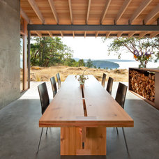 Contemporary Patio by Heliotrope Architects