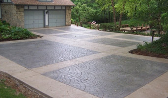 Sunset Hills, Missouri multi-pattern stamped concrete driveway