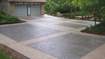 Sunset Hills, Missouri multi-pattern stamped concrete driveway