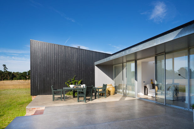Contemporary Patio by Paul Craig Photography