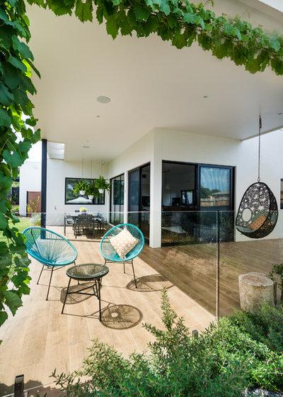 Contemporary Patio by White Pebble Interiors