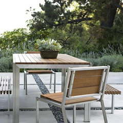 contemporary patio by Elizabeth Dinkel