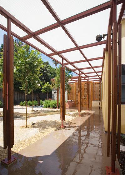 Contemporary Patio by Osborne Architects