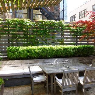 Idee per un grande patio o portico design