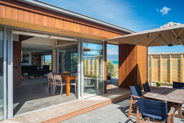 Contemporary Patio by Redbox Architects