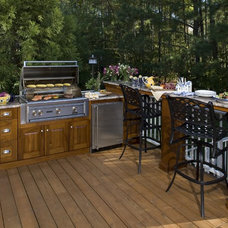 Tropical Patio by Custom Kitchens Inc